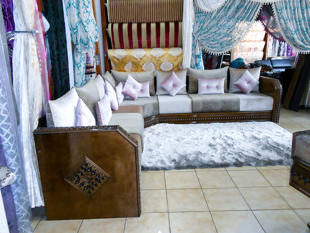 salon marocain antique brun salon marocain. Black Bedroom Furniture Sets. Home Design Ideas