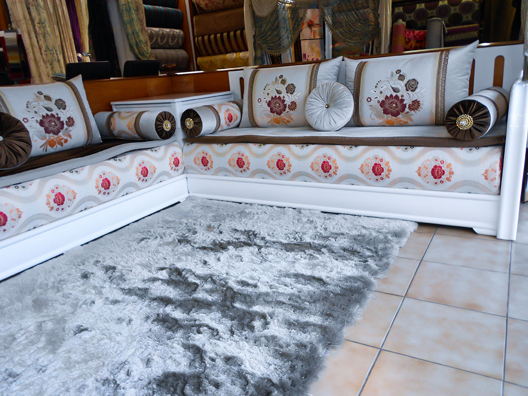 Bomb simple blanc laqu salon marocain for Salon marocain blanc